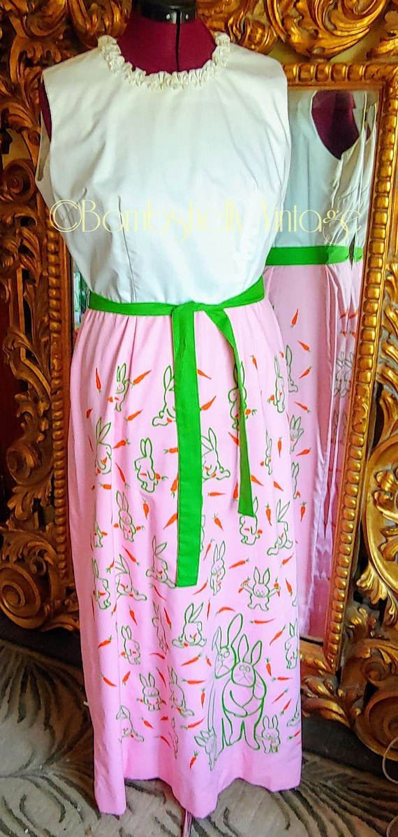 Vintage 60's Vested Gentress Pink and White Whimsi