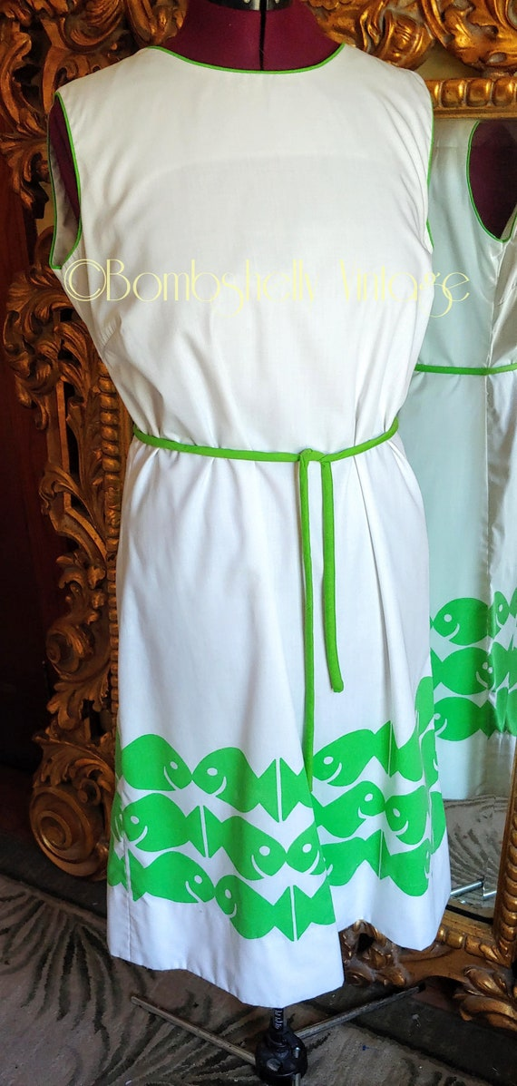 Vintage 60's Vested Gentress White and Green Schoo