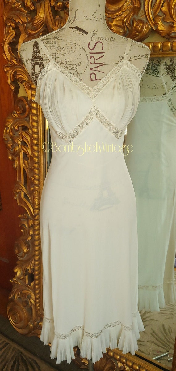 Vintage Vanity Fair White Slip with Micro Pleated