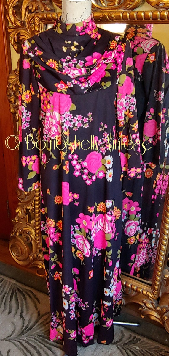 Vintage 60's Butterfield 8 Bold Black and Pink Flo