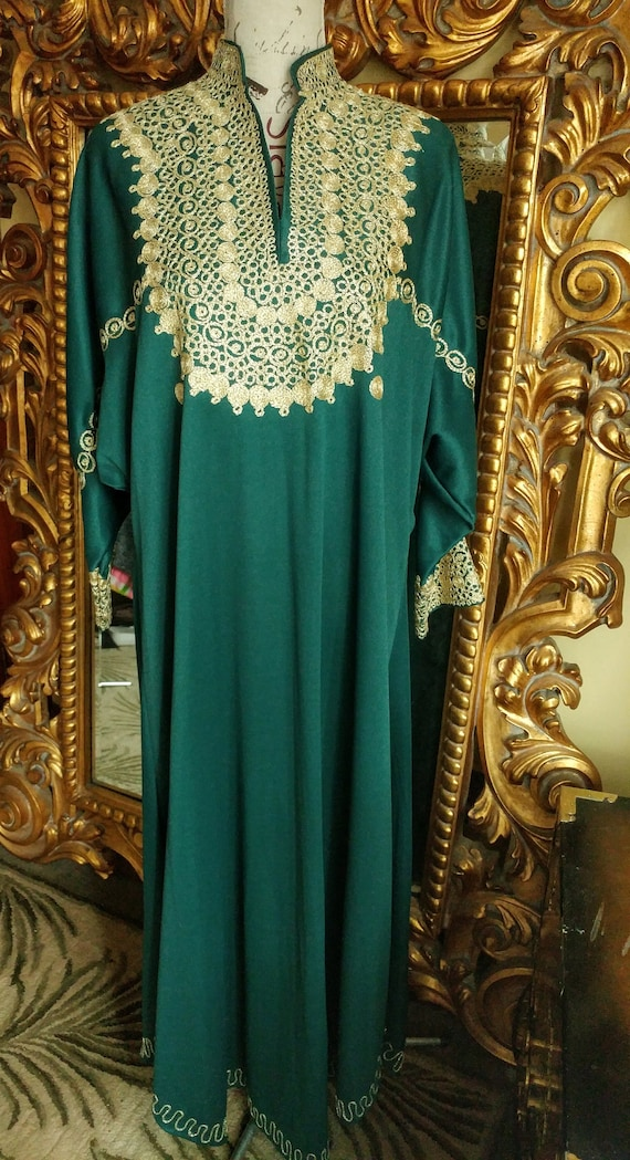 Vintage 1970's Green Embroidered Caftan