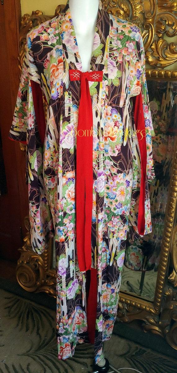 Vintage 1940's Japanese Silk Floral Kimono