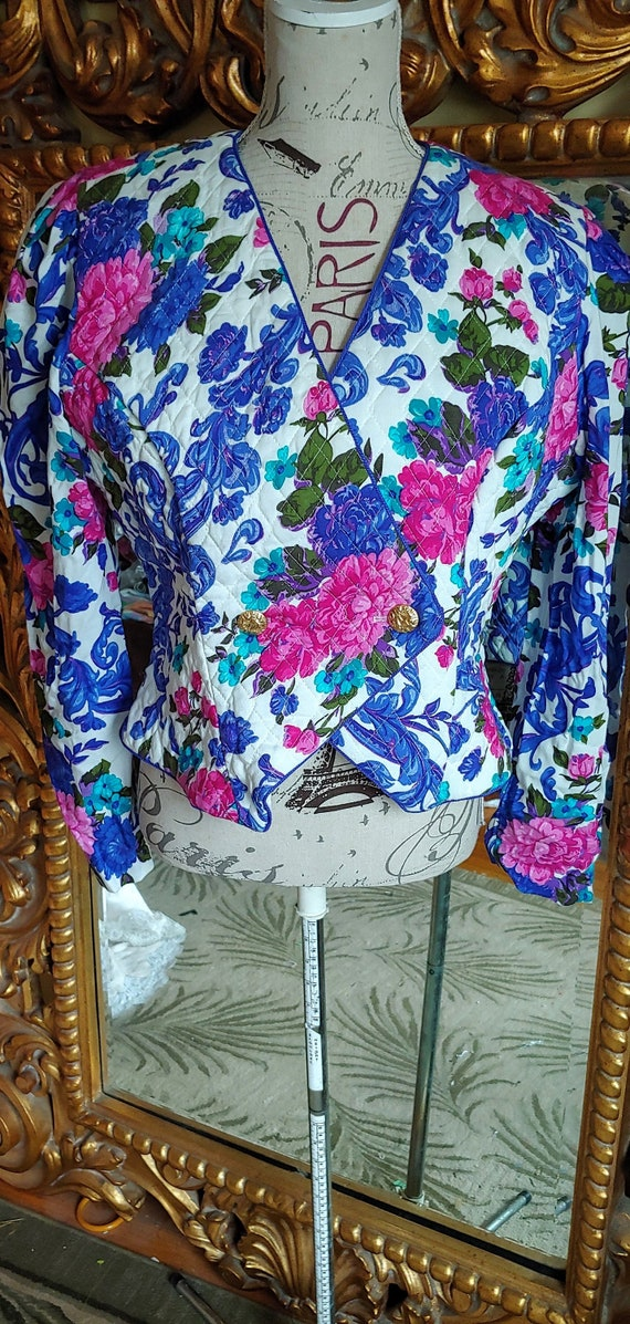 Vintage 80's Act I New York Blue and Pink Floral Q