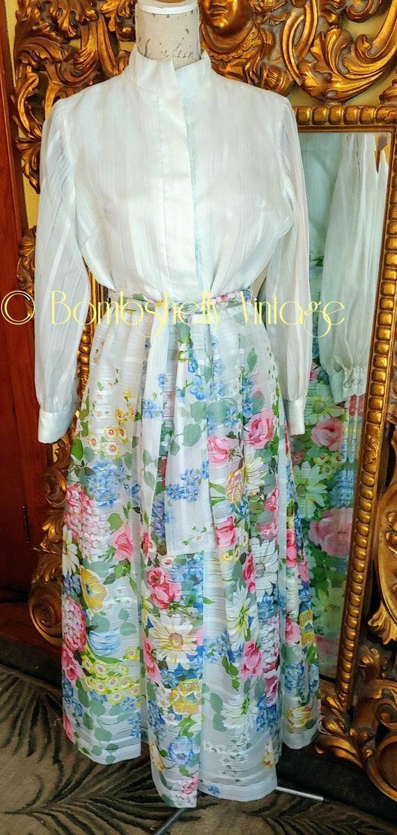 Vintage 1970's Avalon Floral Pleated Shirtwaist Ho