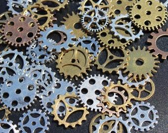 50pcs 15mm  Little Wheel Gear Charms Bronze Tone Small Size Gear Shape Pendants