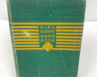 Vintage Girl Scout Handbook, Green and Gold Girl Scout Manual with Trefoil, Cabin Decor, 1940's Girl Scout Collectible, Girl Scout Badge