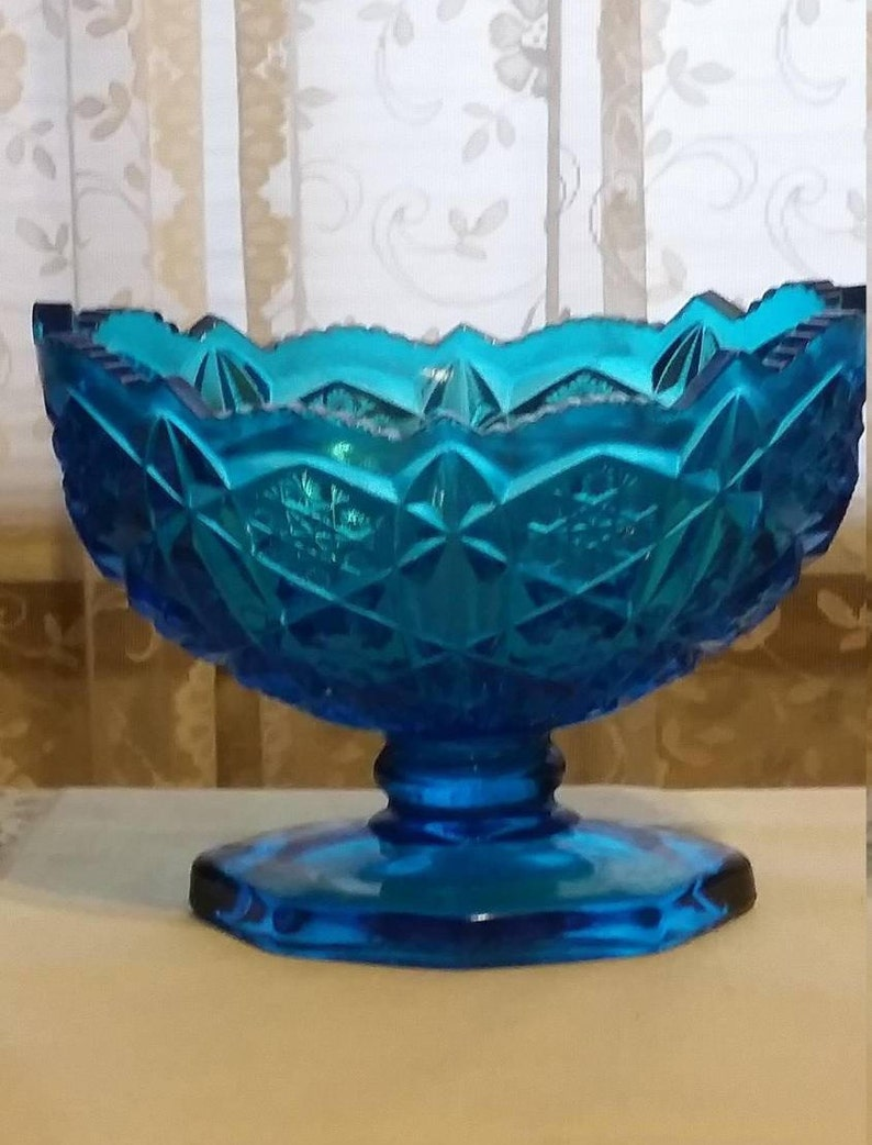 Mckee Kemple Aqua Sawtooth Glass Toltec Pattern Oval Footed Bowl, 1970 USA
