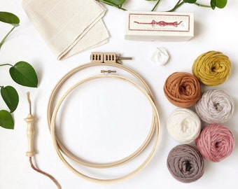 Punch needle kit for beginners / Oxford punch needle with yarn, pattern & accessories / rug hooking starter kit / DIY kit / Christmas gift