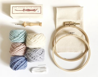 Punch needle kit for beginners / Oxford punch needle with yarn and accessories / rug hooking starter's kit / adults DIY kit