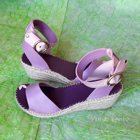 Leather sandals with wide ankle strap. Lilac espadrilles of medium wedge 6.5cm height, with leather insole. Number 35 to 42