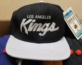 025aee02 LA kings sports specialties hat size 7 1/4, 90s snapback,Los Angeles Kings,  wanye Gretzky,nhl center ice LA Kings hat