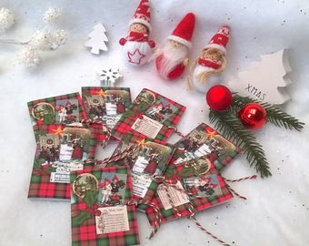 Gifts of Christmas plate, 8 booklets Christmas quotes, 8 different quotes, traditional theme
