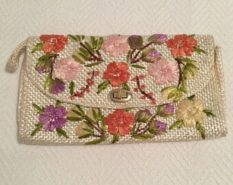 Vintage Floral Straw Clutch