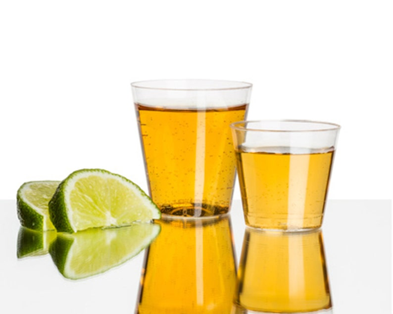 Small Round or Square Glasses Clear Plastic Shot Glasses Wine Tasting Cups Party Supply Mini Shot Cups Disposable Plastic Wine Glasses