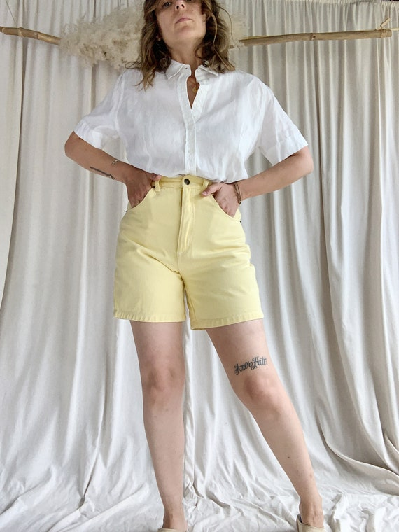 90s High Waisted Yellow Shorts