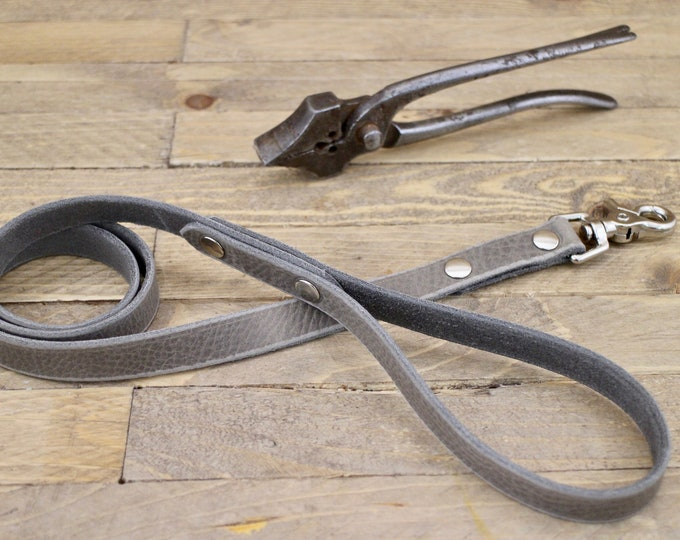 Handmade leash, Wolf grey brown, Dog leash, Leather dog leash, Pet gift, Distressed leather leash, Matching leather leash,