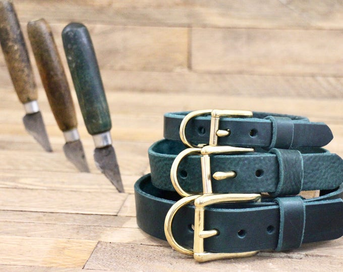 Leather Dog collar, FREE ID TAG, Collar, Green collar,  Custom leather collar, Solid brass , Handmade leather collar, Gold Hardware, Collar