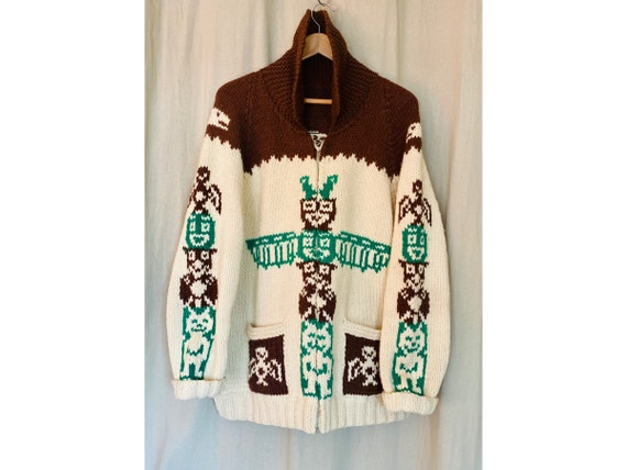 Free Shipping to Canada and U.S.A Vintage 1960s Hand Crafted Cowichan Sweater Vintage 1960s Mary Maxim Totem Pole Sweater