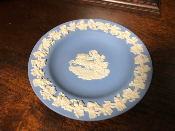 Vintage Wedgwood Coin / Trinket Dish with Mytholog