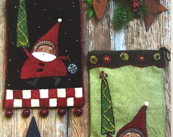"""Santa on the Way pattern by Reets Rags to Stitches, 13"""" bellriinger and 13"""" stocking, RR147"""