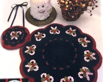 """Christmas Candy pattern by Penny Lane Primitives, 12"""" scalloped edge wool applique candle mat and 5"""" mini mat, #178"""