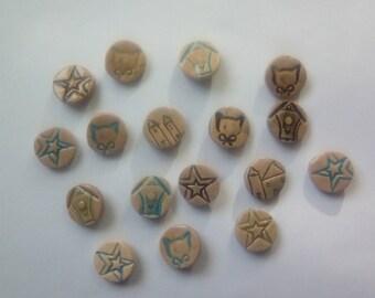13 buttons 2 cm ceramic flower field