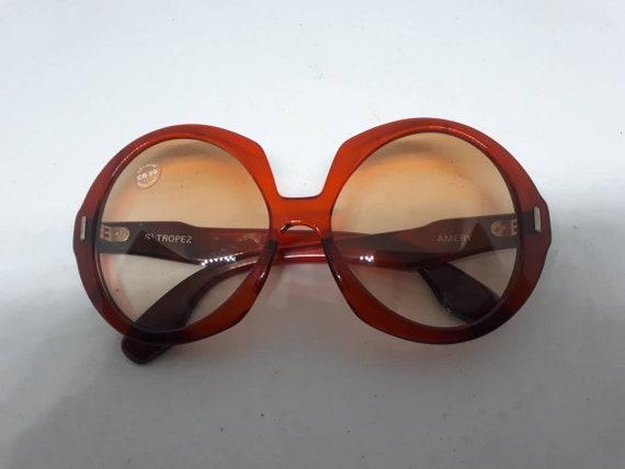 Vintage AMERY ST. TROPEZ sunglasses red frame ace… - image 5