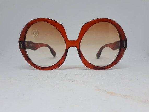 Vintage AMERY ST. TROPEZ sunglasses red frame ace… - image 1