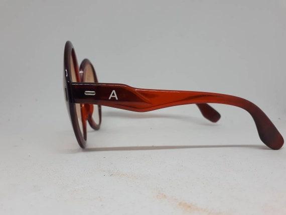 Vintage AMERY ST. TROPEZ sunglasses red frame ace… - image 3
