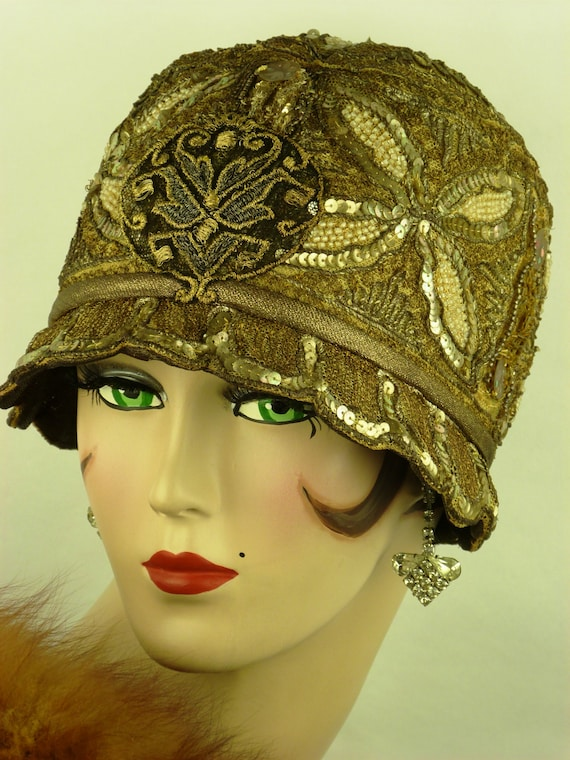 Vintage 1920s CLOCHE HAT, Glittering GOLD Sequin a