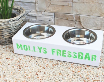 Wow Outdoor eating/feeding station for small dogs and kittens