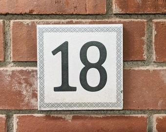 Vintage tile 15 x 15 cm House/apartment sign YOUR MOTIV