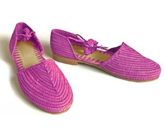 Raffia Summer Shoes. Fushia Sandals. Raffia Lace-ups. Handmade Raffia Shoes. Raphia Sandals. Raffia Espadrilles. Sandales Fushia Raphia.