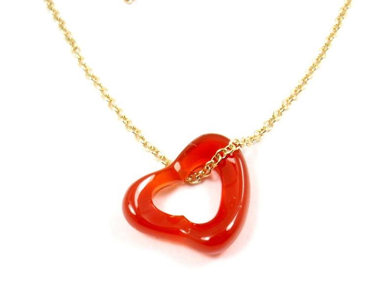 f2f7f64aa9a Tiffany   Co Peretti Carved Carnelian Open Heart 18K Gold