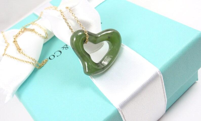 d7f50a71807 Rare Tiffany   Co Peretti 18K Gold LARGE 23mm Green Jade Open