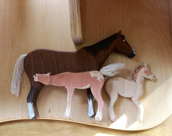 Mare and Twin Foals Wooden Toy