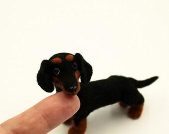 Custom pet portrait Dachshund gift Dog portrait Needle felted animal Felt dogs Needle felted dog Dog replica Sausage dog Toy dachshund