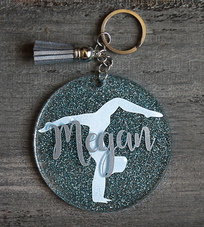 d15824cb6272 Gymnastique paillettes acrylique porte-clés personnalisés   Etsy