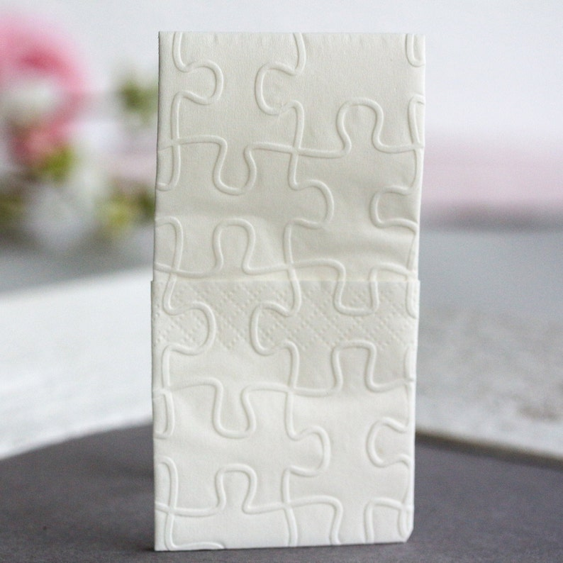 25 embossed handkerchiefs for tears of joy / Embossing: Puzzle image 0