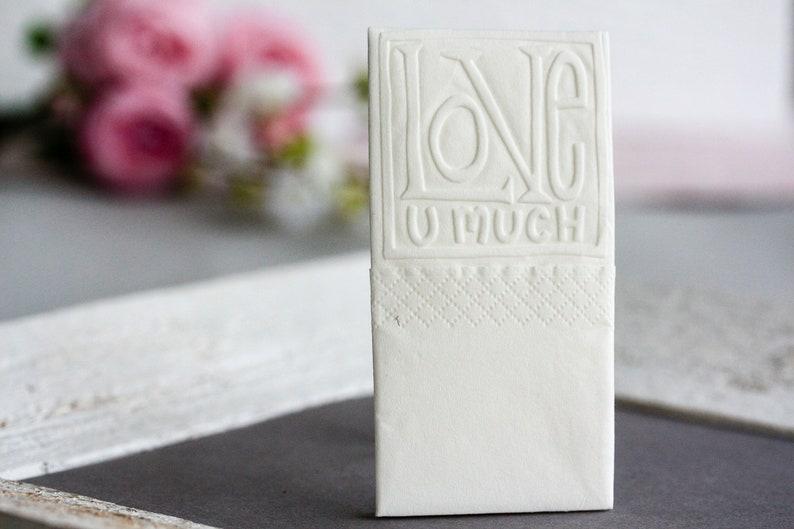 25 embossed handkerchiefs for tears of joy / Embossing: Love image 0