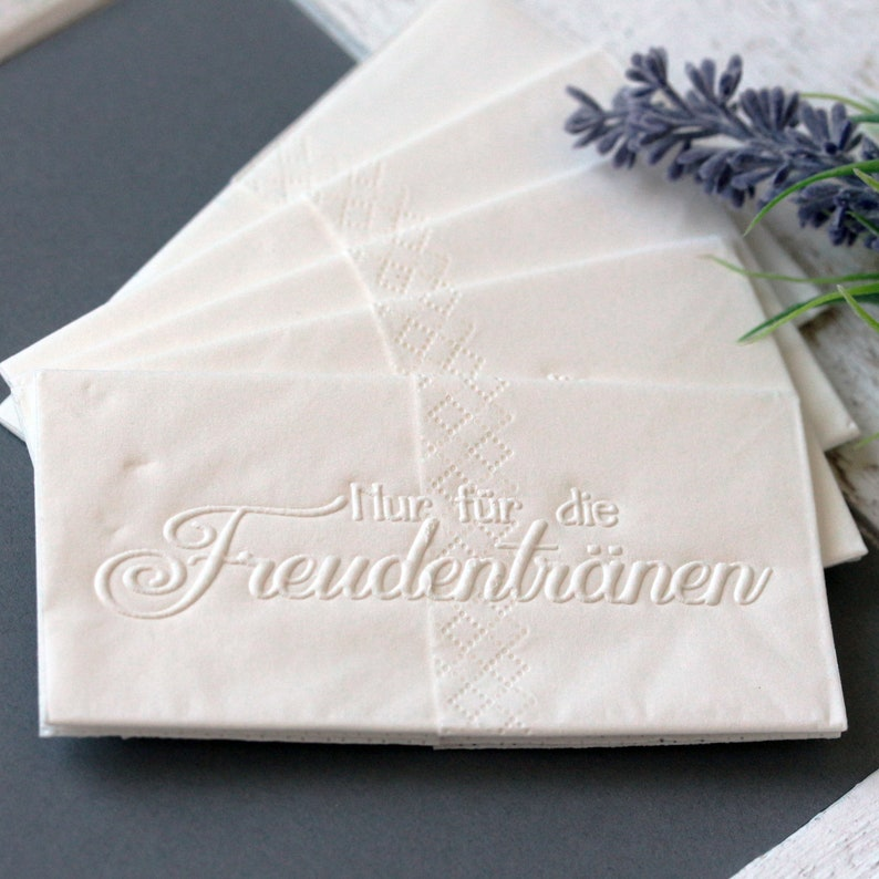25 embossed handkerchiefs for tears of joy : Embossing: Only image 0