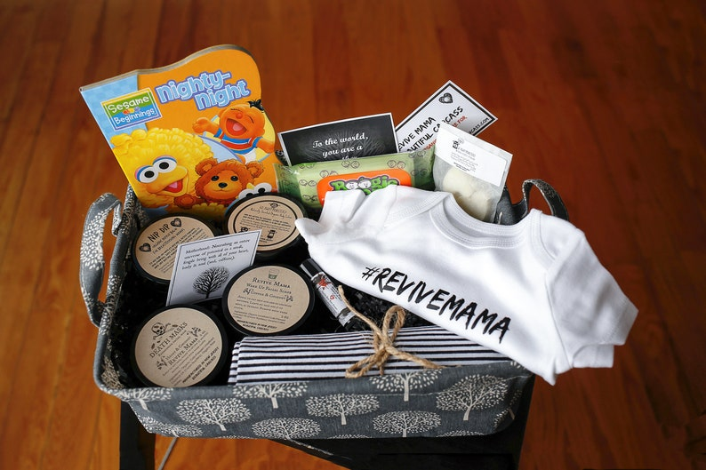 New Mom Gift Basket Organic Christmas Gift Basket / Baby image 0