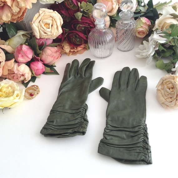 Vintage Alexandra Bartlett Green Leather Gloves wi