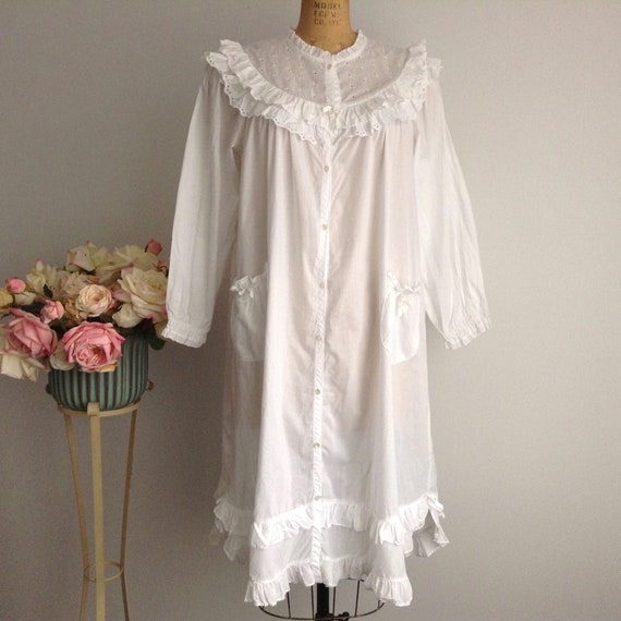 Vintage NICOLE White Cotton Long Sleeve Nightgown… - image 2