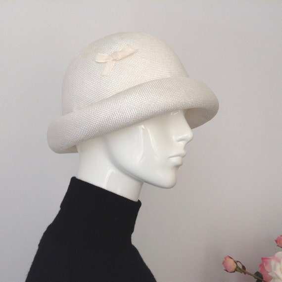 Vintage EATON'S of Canada White Straw Hat, Straw … - image 2