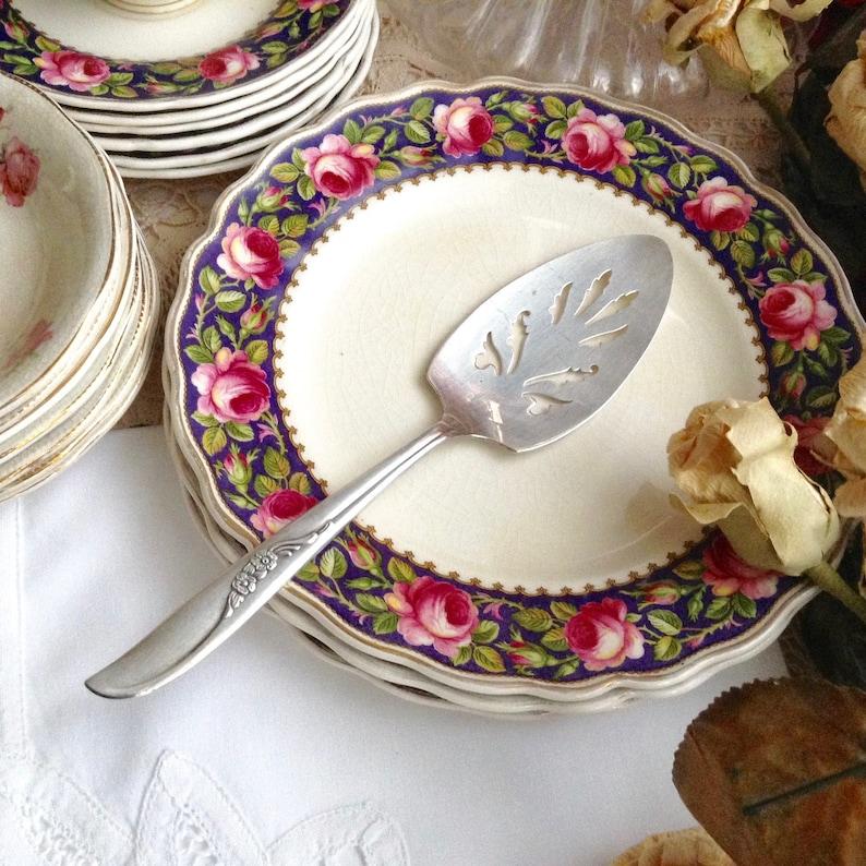 Elegant Pie Server Oneida Ltd Pierced Pie Server ROGERS Silver Plate Cake Pie Server Vintage WM A