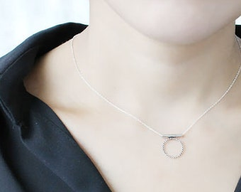 Dainty Circle Bar 925 Sterling Silver Necklaces,Circle Necklaces,Minimal Necklaces.