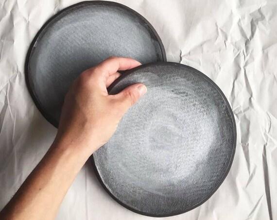 Dessert plate in Soft grey linen