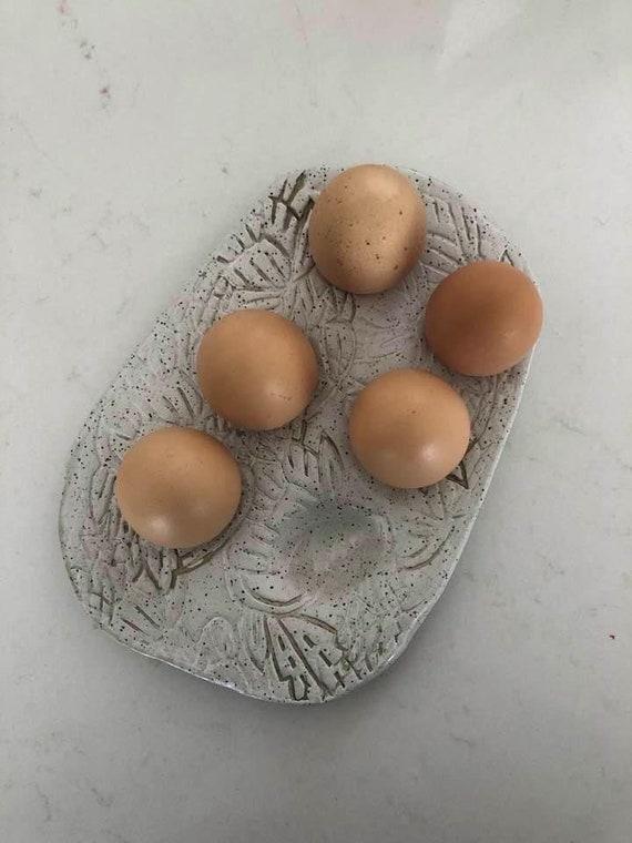 Half dozen egg tray in white speckle woodblock print