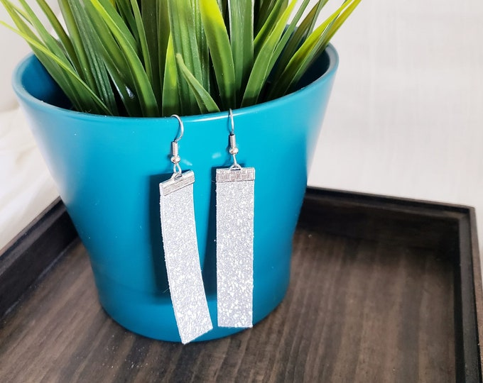Silver Glitter / Leather Bar Earrings / Bold Style / Statement Earrings / Boho Style / Simple / Lightweight & Comfortable / Medium